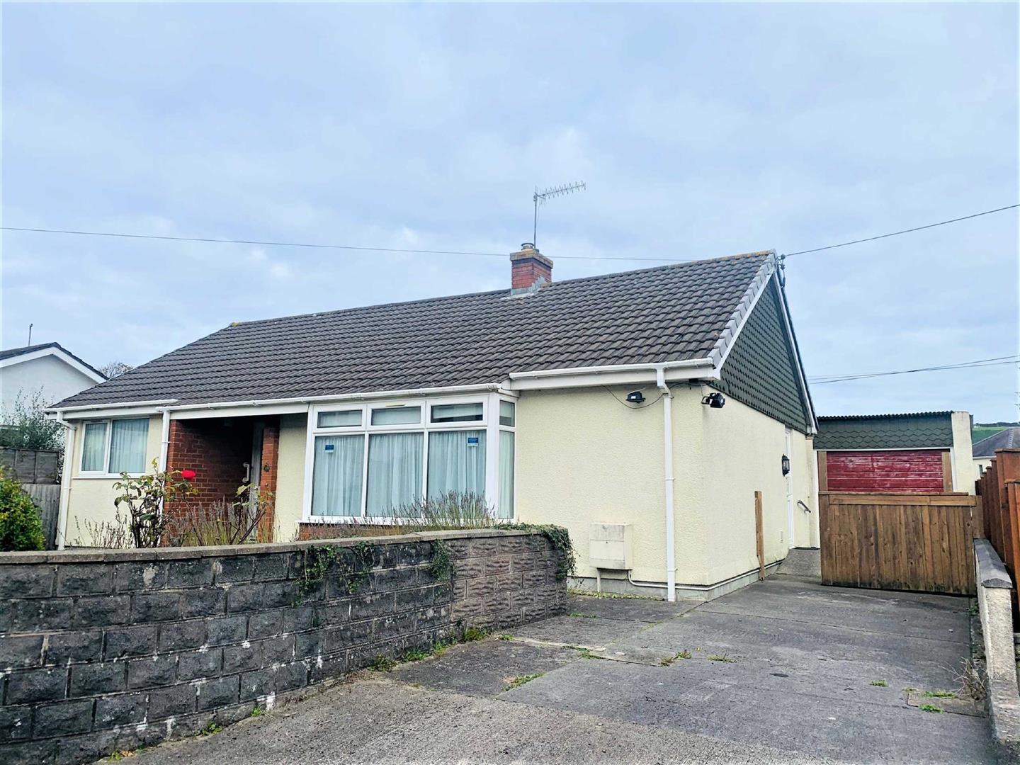 Cliff Terrace, Burry Port, SA16 0HL